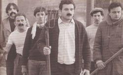"""Photos du """"Viol du vampire"""" : on reconnait Druillet (moustachu, à l'arrière-plan gauche), Sam Sesky (à sa droite) et Rollin (côté droit)."""