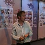 Zep, présentant l'exposition sur les 20 ans de Titeuf, au salon du livre de Paris, en 2013