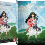 De gauche à droite : Le BlueRay, le DVD, le roman et le manga.