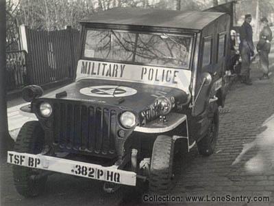 Jeep de la Police militaire US.