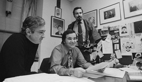 Al Feldstein en 1972 dans les bureaux de Mad.