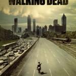 Un inquiétant panorama promotionnel similaire, pour la saison 1 de la série TV Walking Dead : l'arrivée du shérif Rick Grimes à Atlanta... (AMC, 2010)