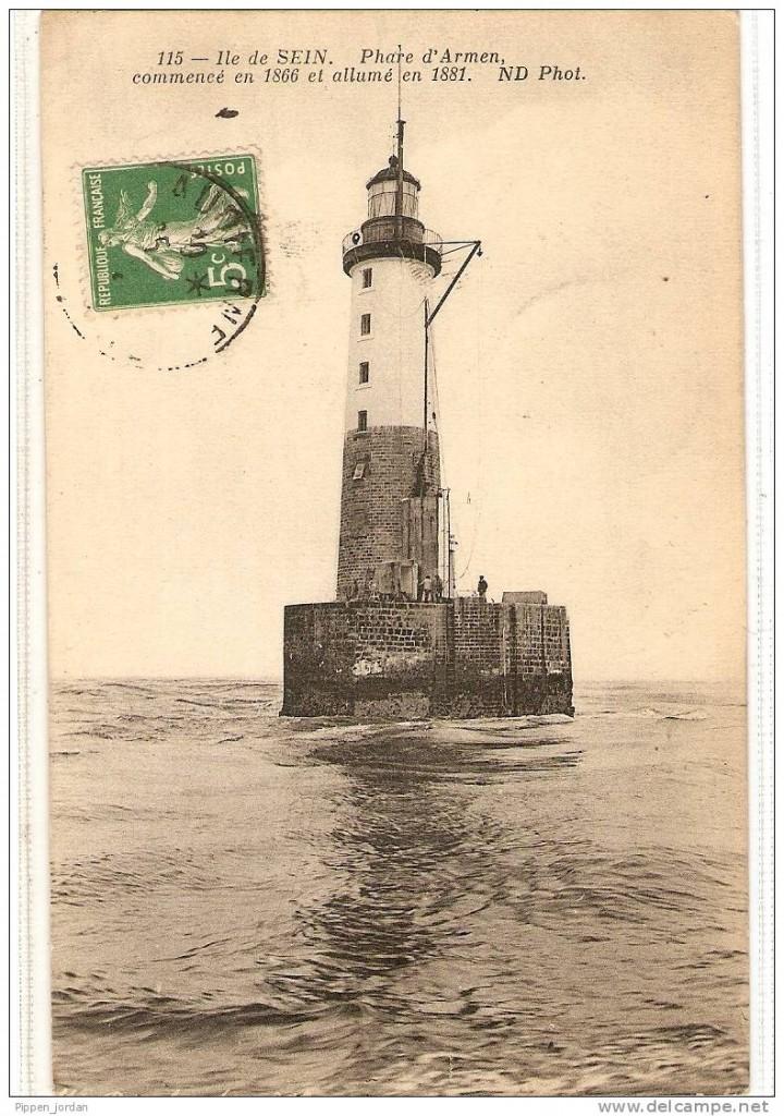 Le phare d'Ar-Men (photo et plan en coupe)