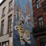 Fresque murale dans la rue d'Ophem à Bruxelles