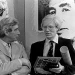 Hergé et Andy Warhol lors d uvernissage à la galerie D. à Bruxelles (26 mai 1977 ; copyright Hergé et Moulinsart 2013))
