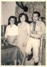 Bob Leguay avec sa femme et sa fille.