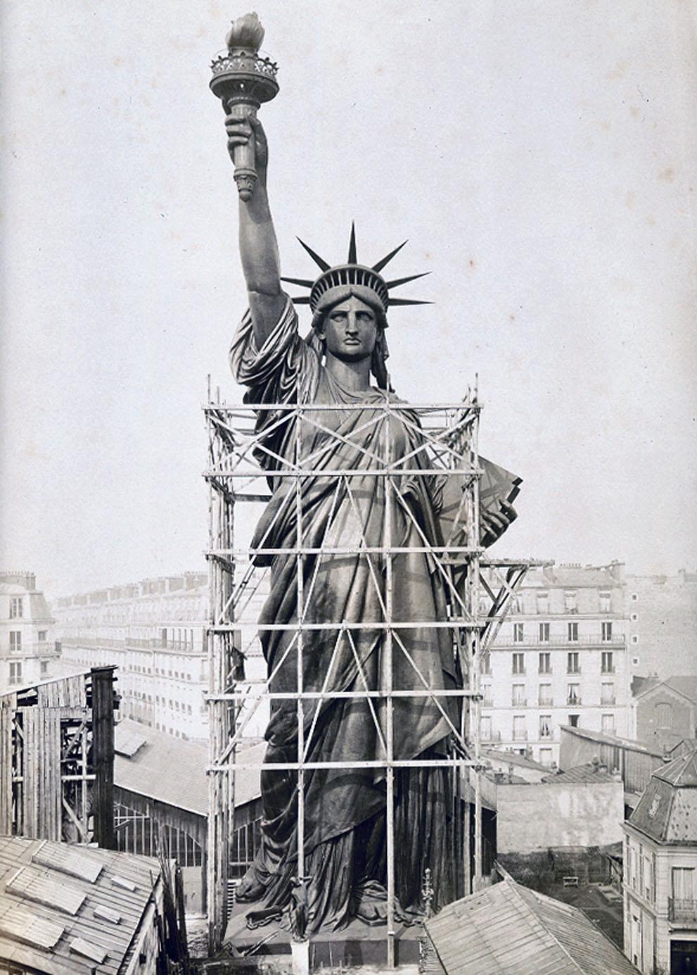 Statue de la liberté achevée à Levallois Perret