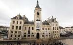 L'hôtel de ville d'Angoulême en janvier 2015, rendait hommage à d'autres victimes d'une certaine forme de résistance.