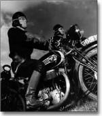 """Visuellement, Jeanne Puchol s'est notamment inspirée des """"motards de la Mort"""" dans """"Orphée"""" de Jean Cocteau (1950)"""