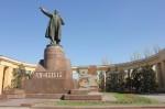 Statue à la gloire de Lénine sur un square de Volgograd
