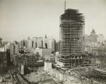 Construction du Rockefeller Center et vue nocturne en décembre 1933