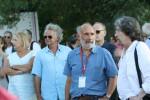Michel Plessix au festival de Solliès en 2015, en compagnie de Pierre Tranchand (Pica) qui nous a fourni cette photo ; on reconnaît aussi, derrière, Jacques de Loustal et Jean-Claude Denis.