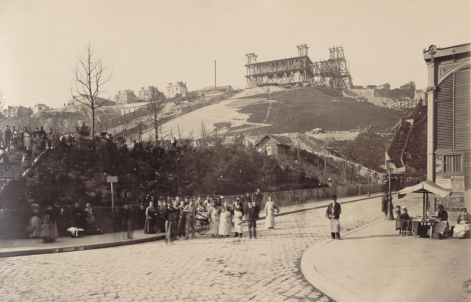 La construction du Sacré-Cœur sur la butte Montmartre (photo de Louis-Emile Durandelle, 1882)