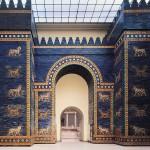 Une réplique de la porte d'Ishtar (musée de Pergame) à Berlin.