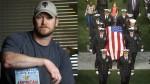Chris Kyle (1974 - 2013), inhumé le 12 février 2013  à Austin (Texas) comme un héros national.