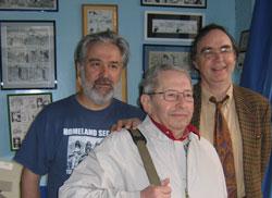 Claude Guillot  entre Jacques Bisceglia (à gauche) et Dominique Petitfaux (à droite) ; photo prise par Didier Pasamonik.