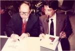 Photo avec Tchang, lors d'une séance organisée par Jacques Langlois chez Total (où il travaillais alors) en 1987.