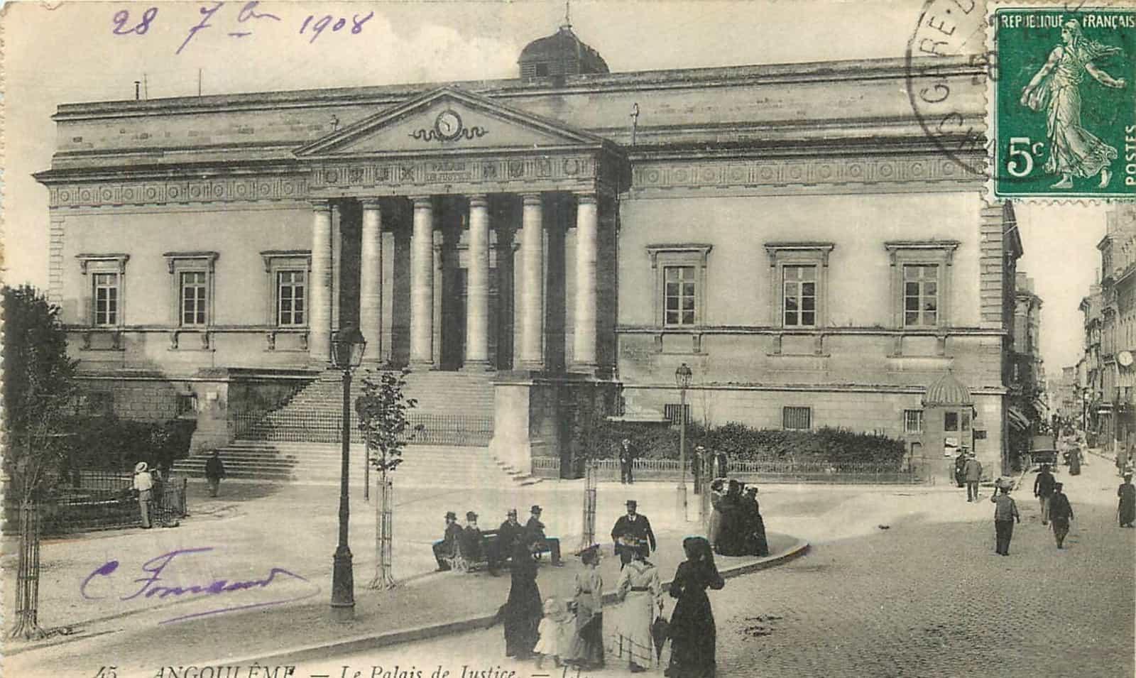 Le tribunal d'Angoulême dans les années 1900.
