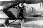 Bessie Coleman et son avion (1922).