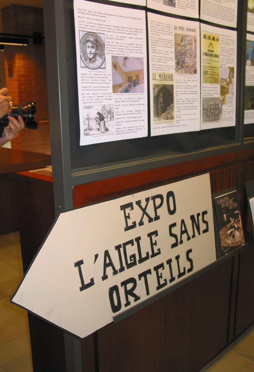 L'Exposition sur L'Aigle sans orteils de Lax à Blois : une réalisation de grand niveau